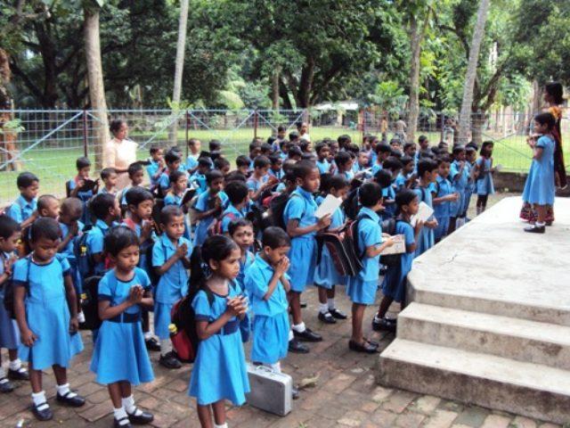 Kinderpatenschaft Bongaon Schulkinder 4