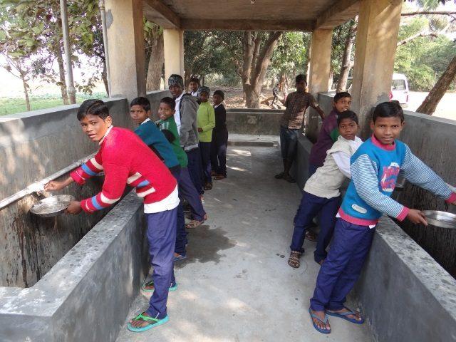 Kinderpatenschaft Joypur neue Wasserstelle 2