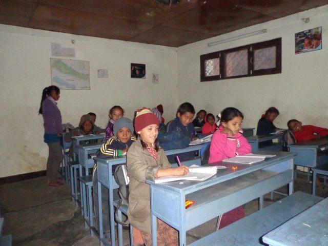 Kinderpatenschaft Kathmandu Schulklasse 1