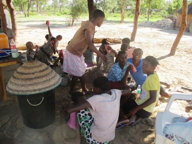 Projekt Rundu Sambyu Dorfplatz 1