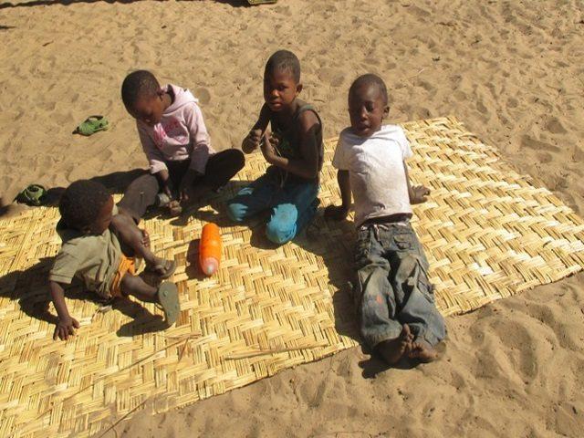 Projekt Rundu Sambyu Dorfplatz 2
