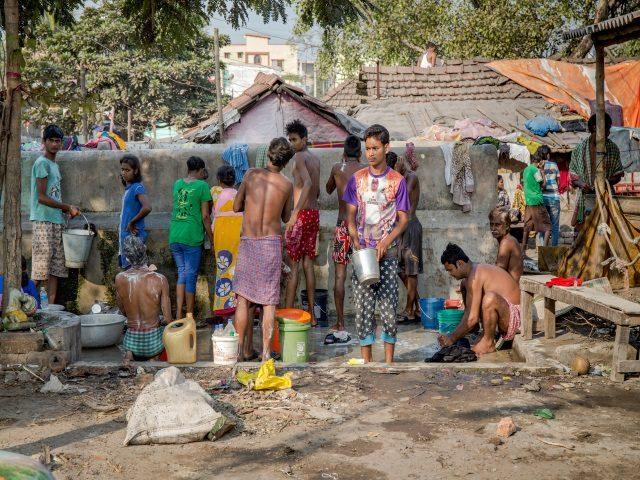 Projektpatenschaft Müllkinder Kalkutta Bhagar Liluah Waschen