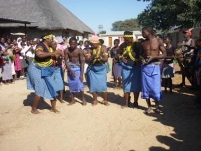 2015 Reisebericht Namibia 10 Folkloregruppe
