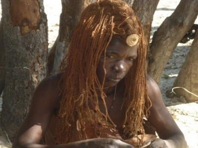 2015 Reisebericht Namibia 16 Mbunzana Frau