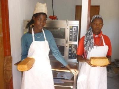 2015 Reisebericht Namibia 22 Brot Bäckerinnen