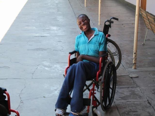 2016 Namibia Hilfsprojekt Gehhilfen Rollstühle Cheshire - Kudomo