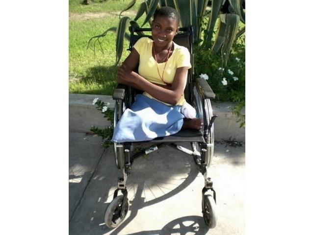 2016 Namibia Hilfsprojekt Gehhilfen Rollstühle Cheshire Rollstühle neue 2