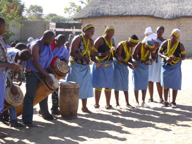 2016 Reisebericht Namibia - Singen Tanz