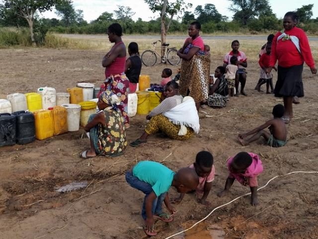 Projekt Brunnenbau Namibia - Wasserverteilung 2