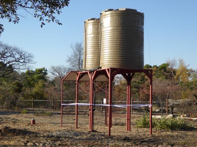 Projekt Kindergartenbau Namibia - Brunnen mit Tank