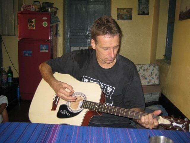 Projektpatenschaft Kalkutta Andy Wimmer Gitarre