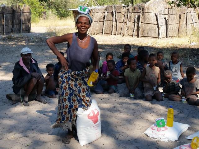 Sonderhilfe Dürrekatastrophe Namibia - Dürre Hilfe Frau 2